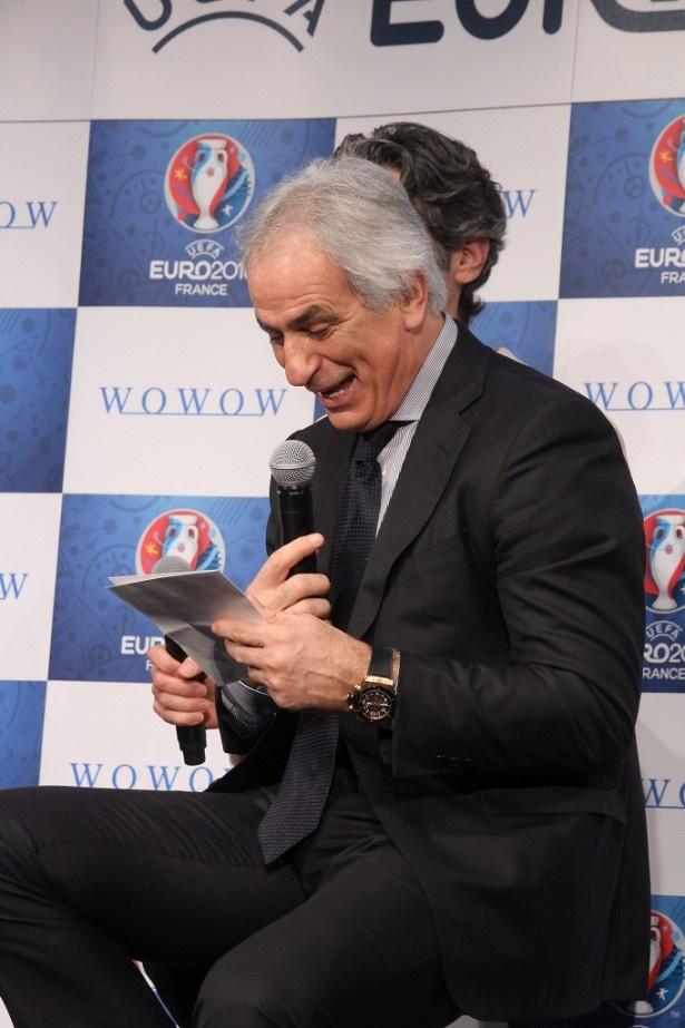 注目選手を楽しそうに読み上げるハリルホジッチ監督