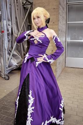 「Fate/Grand Order」のセイバーオルタに扮する、けーしさん