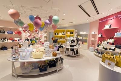 千葉県初出店となるSamantha Vega & chouette galleryは、大人カジュアルなSamantha Vegaとラグジュアリーな中にシンプル&ベーシックを追求するSamantha & chouetteの複合店