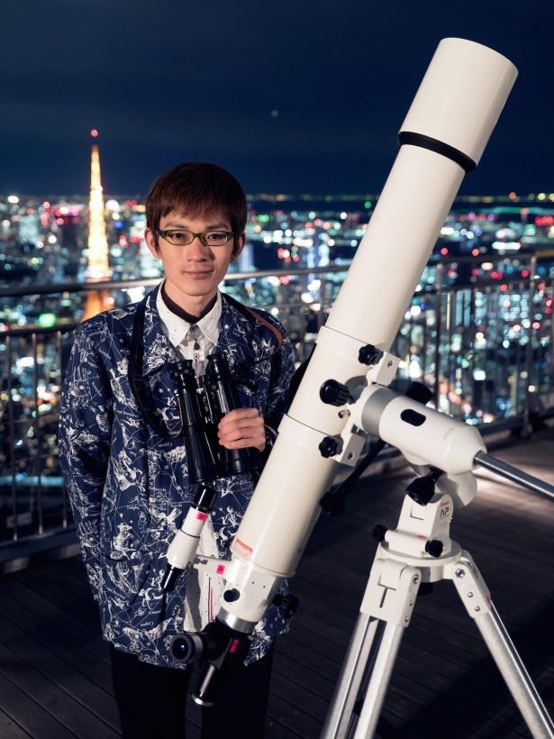 毎月第4金曜日に天文セミナーを開催する、星のソムリエの泉水朋寛氏