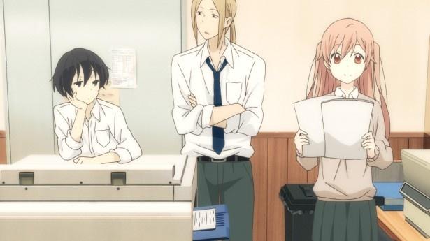 【写真を見る】第4話では、田中と太田がクラス委員長の白石とぶつかりそうになり、白石の資料作りを手伝うことに。だが、みんなの憧れの存在・白石には、誰にも言えない秘密があって…