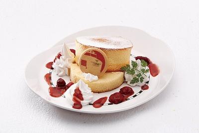 「キハ81型ブルドッグパンケーキ」(650円)。重なったパンケーキは通称「ブルドッグ」と呼ばれたキハ81形のボンネットがモチーフ