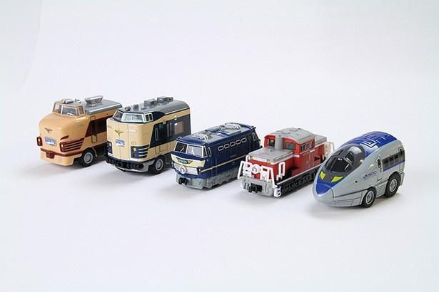 館内に展示されている車両を再現したオリジナルチョロQ(各1296円)。懐かしい特急から新幹線までみんな集めたくなる