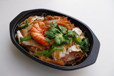 【写真を見る】シンガポール風海老麺