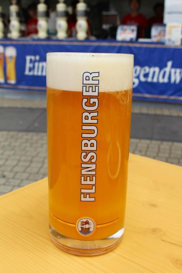 フレンスブルガーの「マンゴービア」(1100円)は、ビールの苦味が苦手な人にもおすすめ