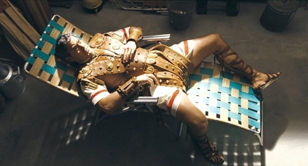 【写真を見る】ジョージ・クルーニーがマヌケなスターを演じる!?