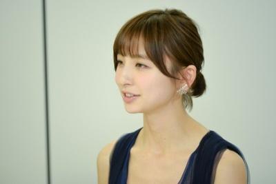 大迫空衣(おおさこ そらえ)役を演じる篠田麻里子さん