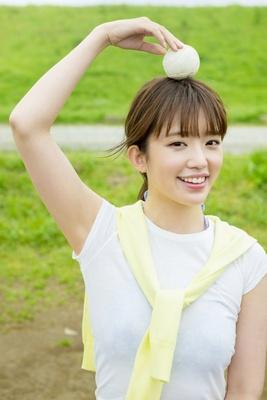 約6年ぶりの本格グラビアに挑戦した柳本絵美(24)
