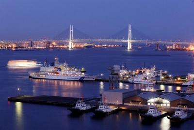 横浜ベイを眺めながらのディナータイムを