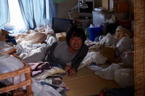 貧困に苦しんではいるが、働く気はない引きこもりニート・小瀬(コセチン)役は芸達者な本多力が務める