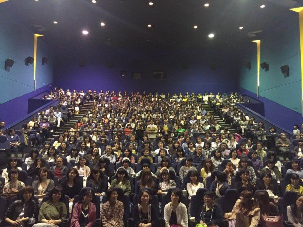 イオンシネマ名取も満員の観客で宮城先行公開初日を迎えた