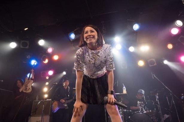 バースデー&デビュー5周年ライブに多くのファンが駆け付け、笑顔を見せるきっか