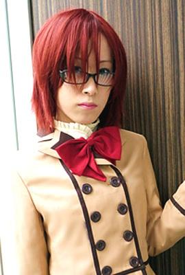 """秋葉原に5月にオープンした「NEW TYPE」の""""オトコの娘""""たちがついに昼間に進入!写真は、「なつや」。メガネが超キュート!"""