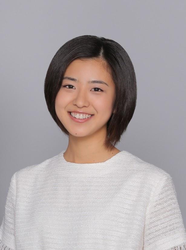 【写真を見る】黒島演じる芳山未羽は、ずっと体育会系の部活一筋に打ち込んできたため、「恋バナ」が苦手という設定も!