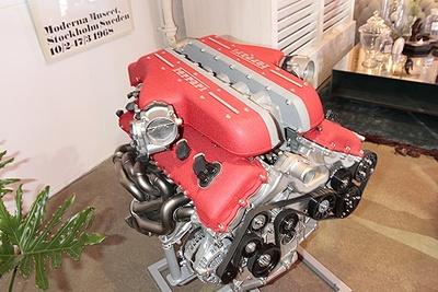 排気量6,262ccの12気筒エンジンは、最高出力690馬力!