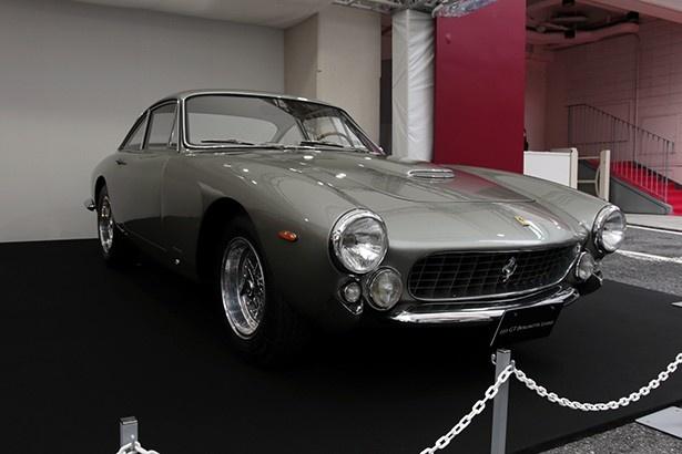 1962年に誕生した、250GT Berlinetta Lusso。日本政府が初めてフェラーリを公道車両として認証したモデルである。