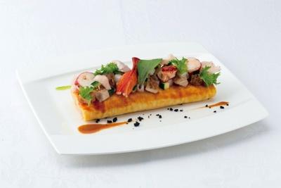 西洋料理最優秀賞「オマール海老とチキンのナシゴレン風オムライス」