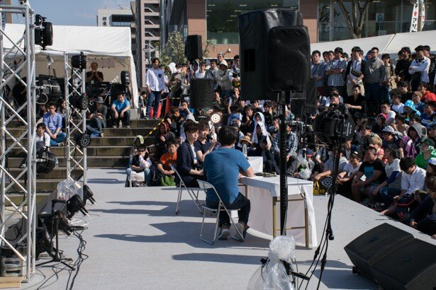 MONACAの田中秀和と広川恵一が青空の下で裏話トーク【マチ★アソビ Vol.16】