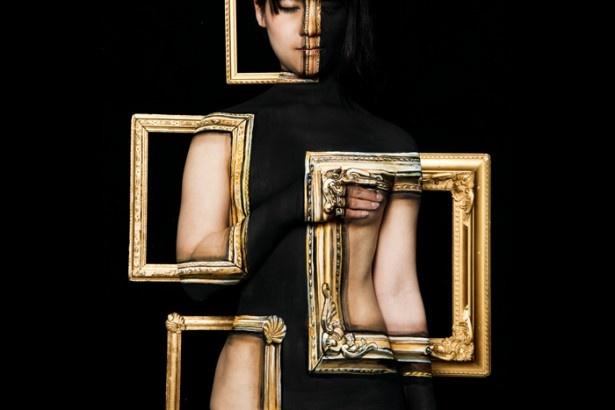 見る人を非日常へと誘うボディペイント作品【ART アート】(モデル:北見えり/写真:ただ)