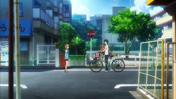 自宅に来た佐々木千穂を送っていく途中で、真奥貞夫は彼女から告白される(「2000ねん公園」)