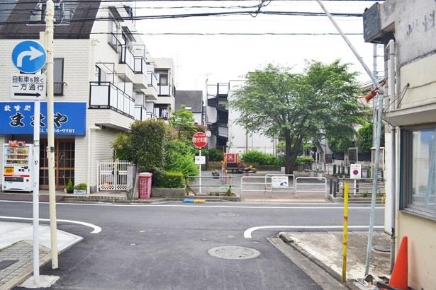 住宅街の中にある「2000ねん公園」。笹塚駅から徒歩5分の距離の閑静な住宅街の中にある