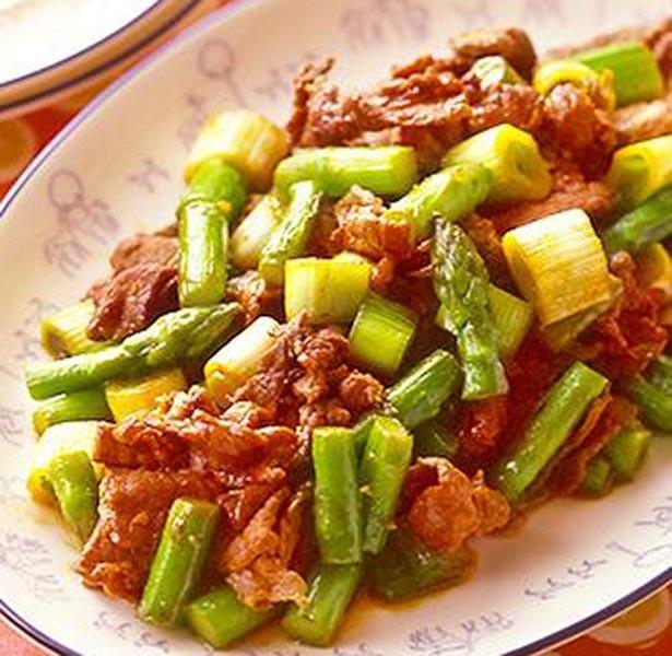 手早く作れて、ご飯も進む中華味の「牛肉とアスパラの中華炒め」