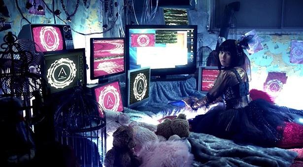 竹達彩奈ニューシングル「Miss. Revolutionist」のミュージックビデオが到着!
