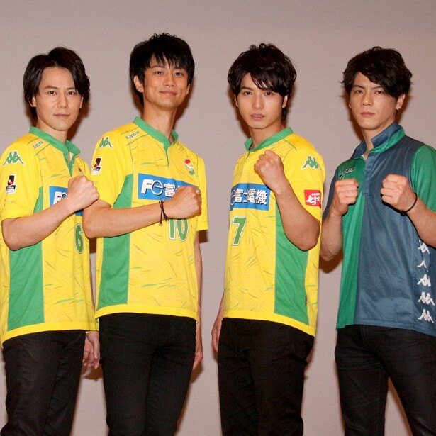 映画「U-31」の完成披露上映イベントに登壇した根本正勝、馬場良馬、中村優一、中村誠治郎(左から)