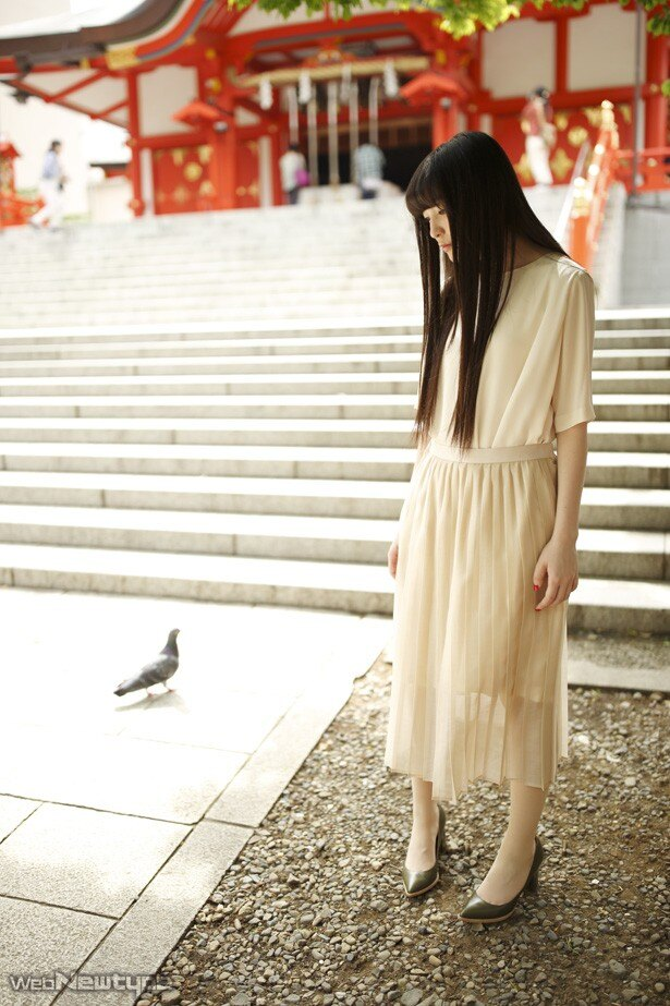 上田麗奈フォトコラム第15回・新宿のゴールデン街で色探し