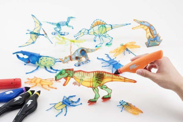 恐竜や昆虫を描くと立体になる、不思議な「3Dドリームアーツペン」
