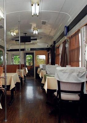 犬吠駅隣接の電車カフェ