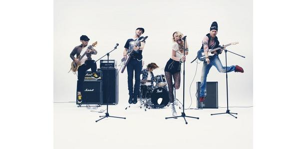 CMでは土屋アンナ×MONKEY MAJIKのスペシャルバンドが見れる!