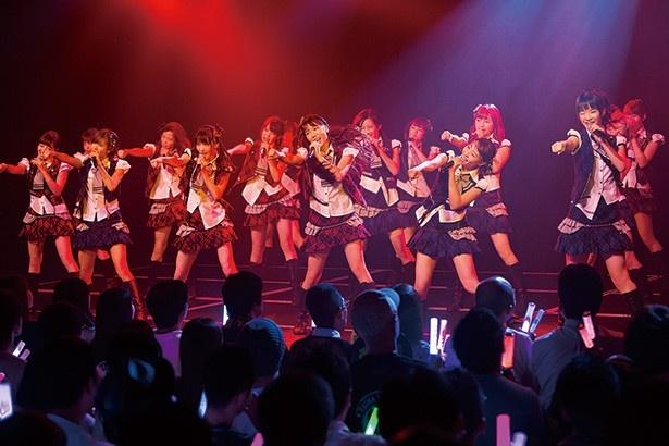 【写真を見る】チームMやBIIも、大阪ならではのノリが詰まった個性的なステージを披露