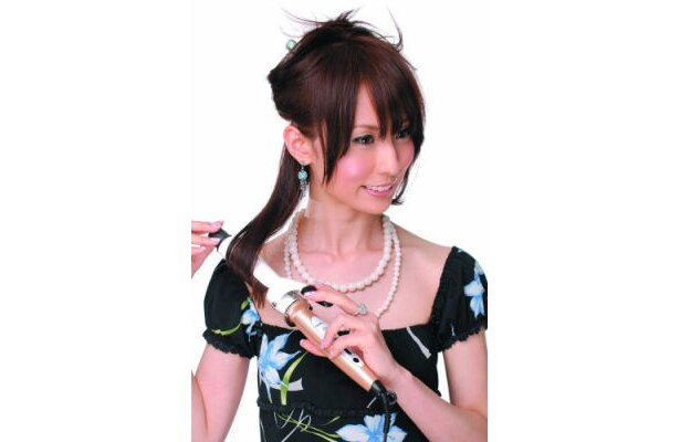 「CREATE アフロートイオンカールアイロン直径32mm」で盛り髪を楽しんでみる?(6731円)※価格は7/14日現在