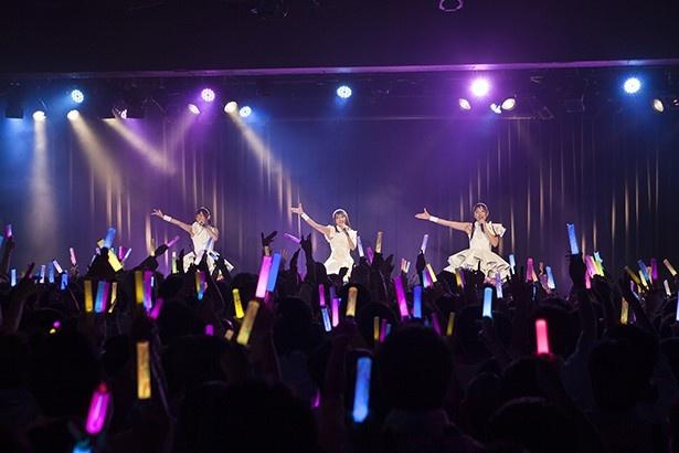丸1年の日に感じられた、最高のコンビネーション。 イヤホンズ デビュー1周年記念ライブレポート!