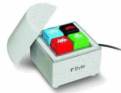 """チョコが冷やせる""""ミニ冷蔵庫""""は、ビジュアルもポップでかわいい!"""