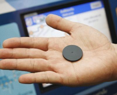 地下鉄のチケットは丸いコインのような型をしている「トークン」