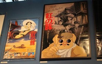 「紅の豚」のポスターも満載!