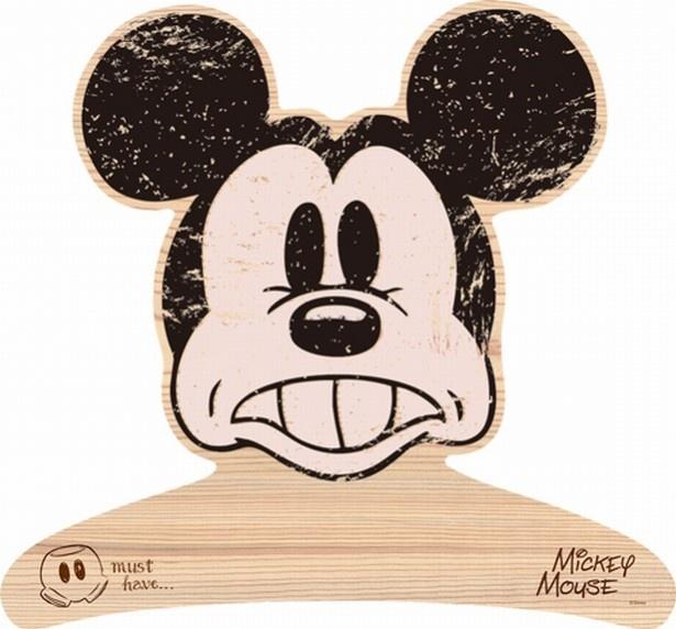 しっかりとした作りの高級感ある木製ハンガー。ちょっとアンティークっぽい雰囲気もおしゃれな「ミッキーマウス」。