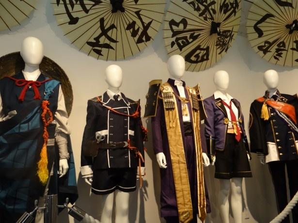 舞台「刀剣乱舞」衣装展開催。至近距離であの衣裳が観られる……!