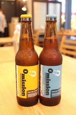 ポートランドのクラフトビール「オミッション」も販売。ラガーとペールエールの2種類を用意する