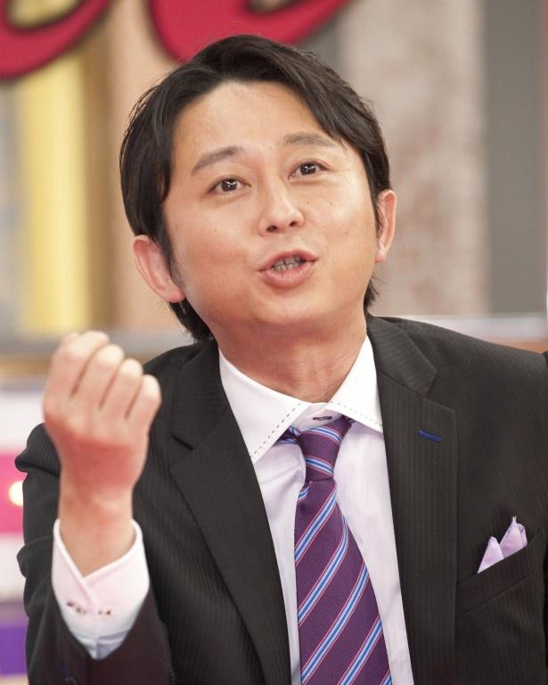 【写真を見る】櫻井翔と滝沢秀明がなかなか目を合わせないことを指摘した有吉