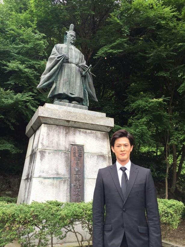 「真田丸」で豊臣秀次を演じる新納慎也が滋賀・近江八幡で行われた「秀次公顕彰法要」に参加した