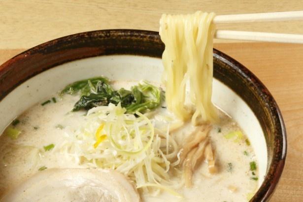「俺流熟成塩らーめん」(680円)は、まろやかなスープがやみつきになる