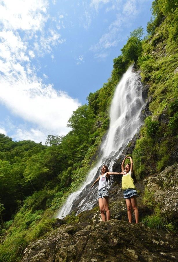 滝や高原、鍾乳洞など大自然のひんやりスポットを含む、夏遊び294プランを紹介!