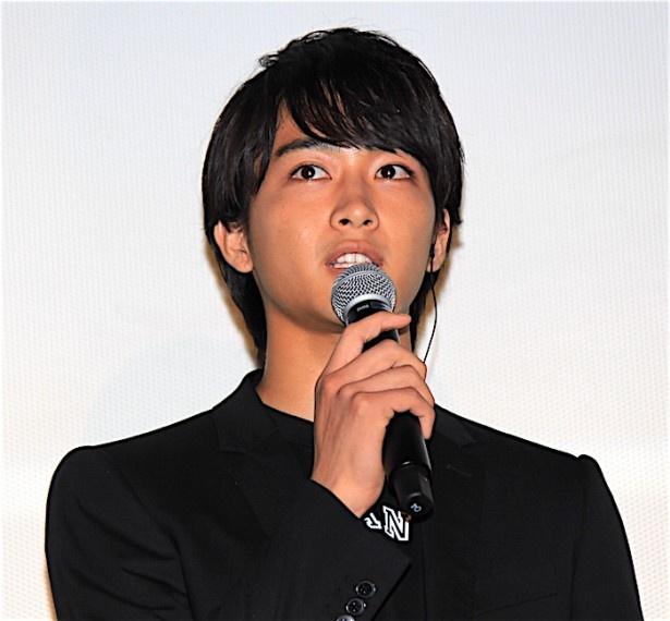 東京会場の舞台挨拶に登壇した佐藤寛太