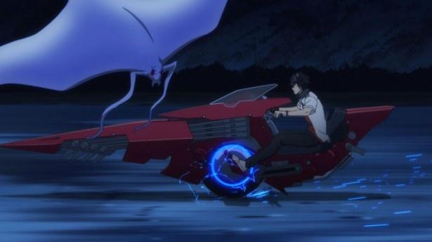 アニメ「スカーレッドライダーゼクス」の第1話『Track.01 RYUKYU Calling』を、場面カットとあらすじで振り返る!