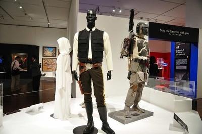 映画で使われたハン・ソロの衣装も展示。登場人物一人ひとりの個性が際立つ