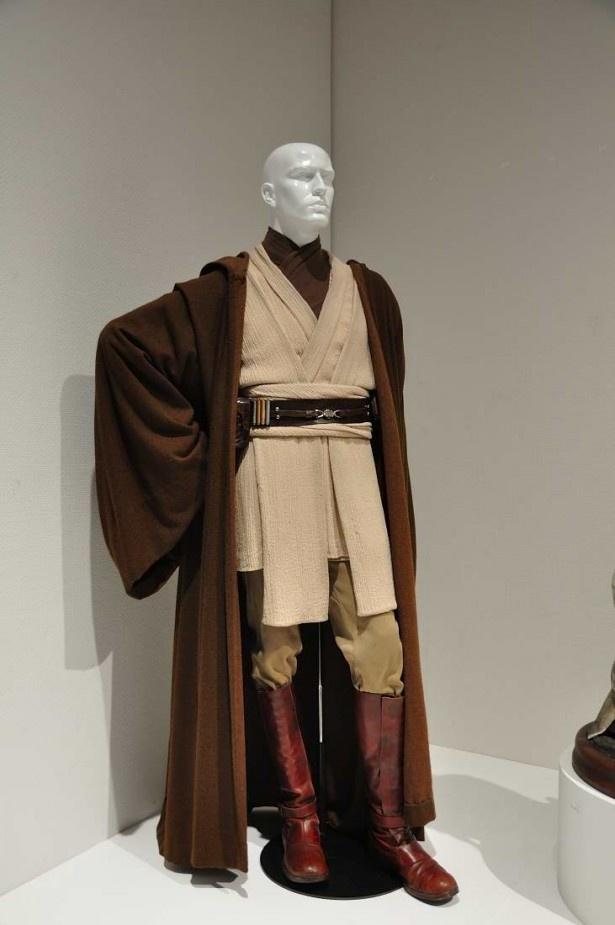 アナキン、ルークらを育てた重要人物、オビ=ワン・ケノービの衣装