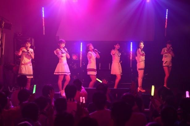 新曲の両A面シングルから「恋のB・G・M~イマハ、カタオモイ~」も披露